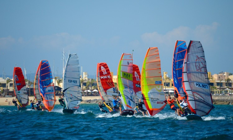 26 windsurfers from 7 countries are at the European Festival in Portimão (®PauloMarcelino)