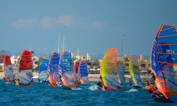 Europeu de Formula Windsurf juntou em Portimão 26 atletas de 7 países (®PauloMarcelino/Dia1)