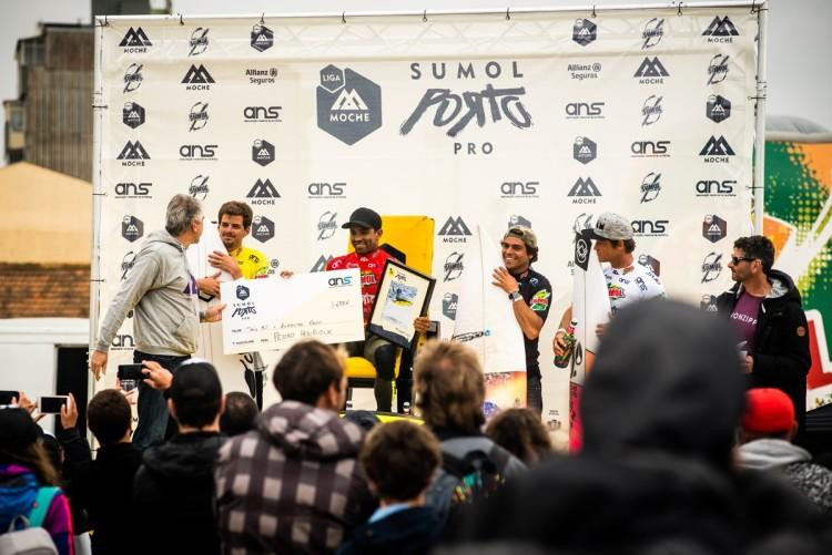 Pódio masculino, com Marlon Lipke, de branco, Eduardo Fernandes, de preto, Pedro Henrique, de vermelho, e Filiope Jervis, amarelo (®PedroMestre/ANS)