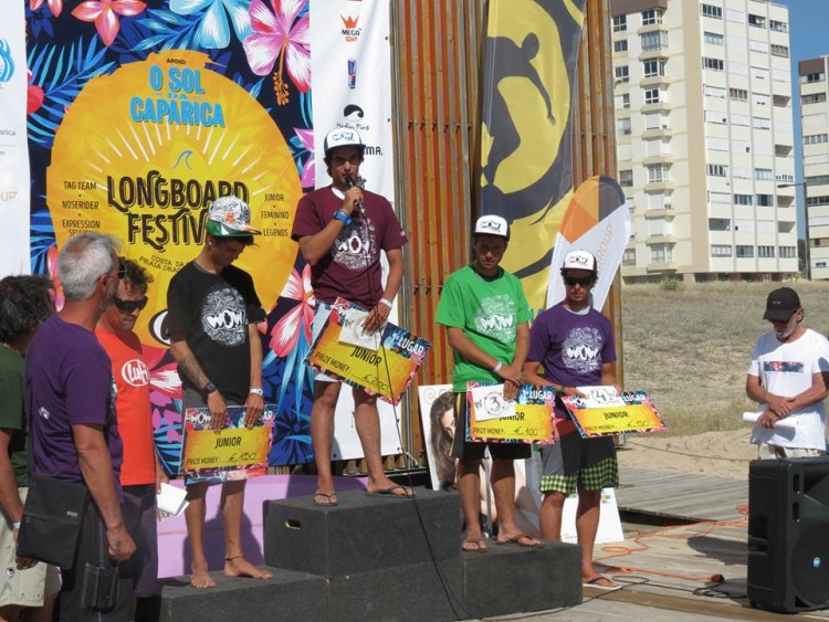 Algarvio José Mestre no 2º lugar do Pódio Juniores no Lufi Longboard Festival (®DR)