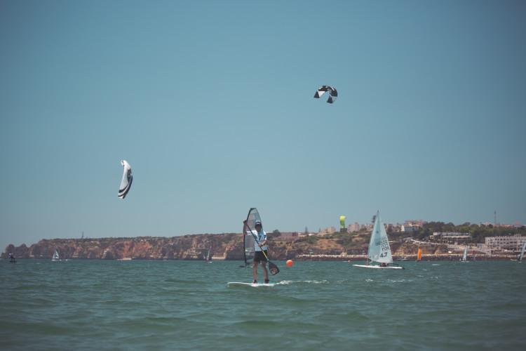 Stand up paddle. kitesurfing, windsurfing e vela; quatro desportos, uma maratona (®DR)