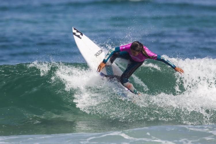 Surfista portuguesa venceu todas as baterias que disputou no Junior Pro A Coruña (®DamienPoullenot/WSL)