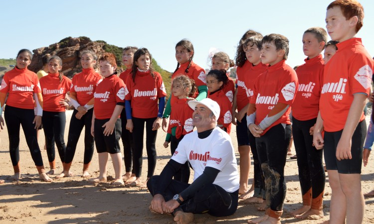 McNamara deu uma primeira aula para 28 crianças reunidas pela Câmara de Aljezur (®PauloMarcelino)