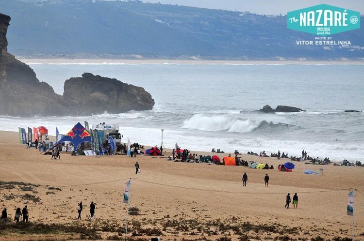 Praia do Norte ofereceu ondulação forte, nalguns dias demasiado forte, para o Nazaré Pro 2016 (®VitorEstrelinha)