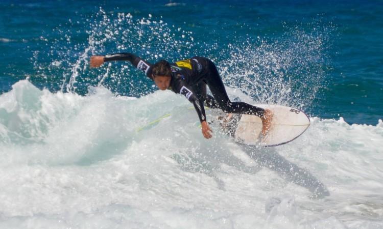 Ricardo Augusto em ação na final Sub-18 na Praia do Castelejo (®PauloMarcelino/arquivo)