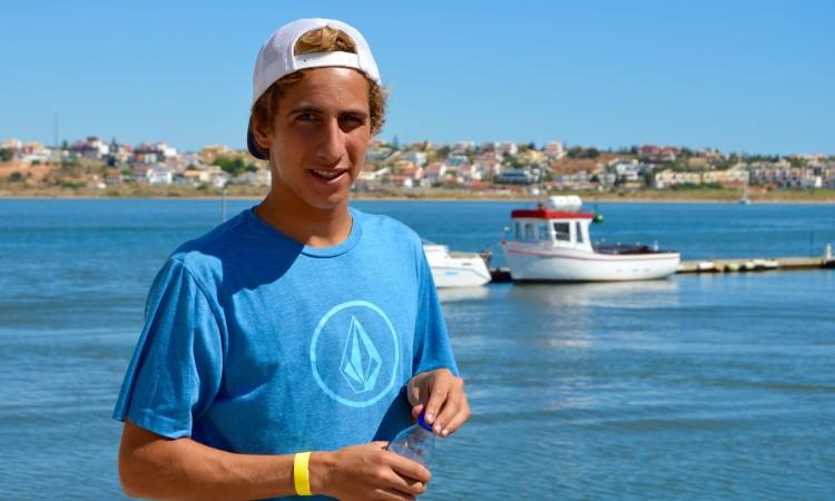 Frederico 'Martim' Magalhães é o 25º melhor surfista na Liga Moche 2016 (®PauloMarcelino/arquivo)