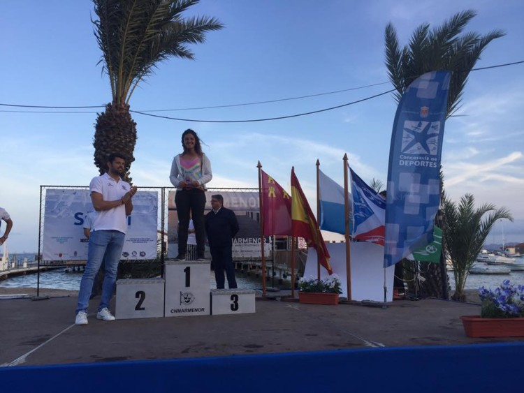 Margarida Gil Morais no 1º lugar Feminino em Los Alcázares (®SurfariMarMenor)