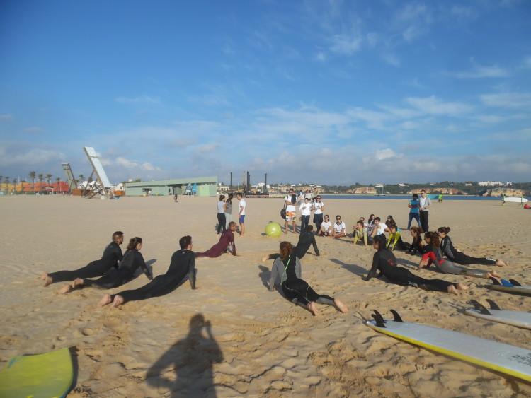 Portimão Surf Clube ofereceu uma aula de surf aos futuros fisioterapeutas (®DR)