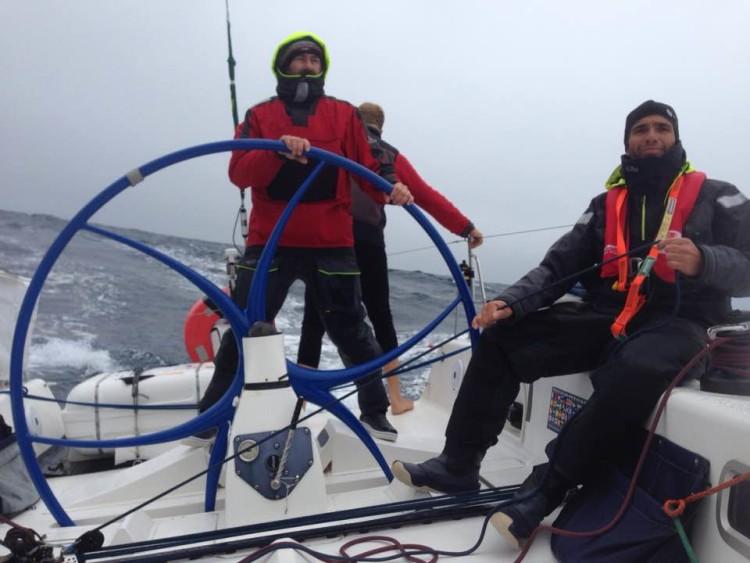 Algarvio Luís Brito, à direita, a bordo do Challenge durante a Sydney-Hobart 2016 (®DR)