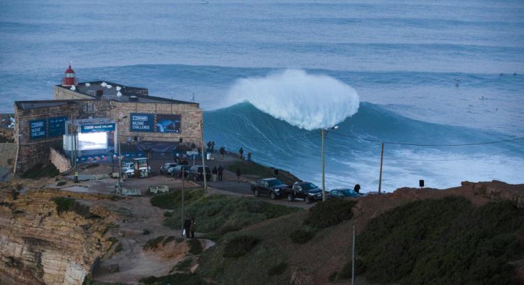 Nazaré Challenge 2016 marcou a estreia de Portugal no Big Wave Tour (®WSL/GuillaumeArrieta)