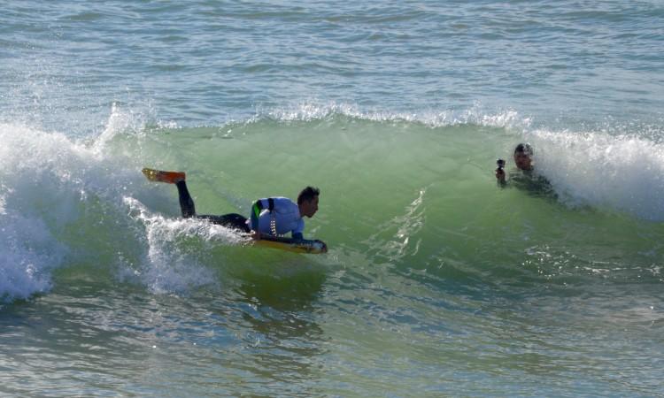 Jorge Nunes 'a fazer-se à foto'. Bodyboarder de Ferragudo fez a melhor onda do campeonato (®PauloMarcelino)