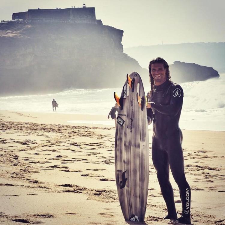 Surfista algarvio Alex Botelho participa na primeira missão Mar Sem Fim de 2017 (®DR)