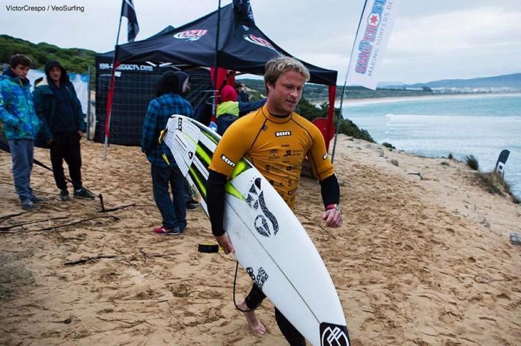 Algarvio Marlon Lipke marcou a manhã de sábado com uma onda quase perfeita (®DR)
