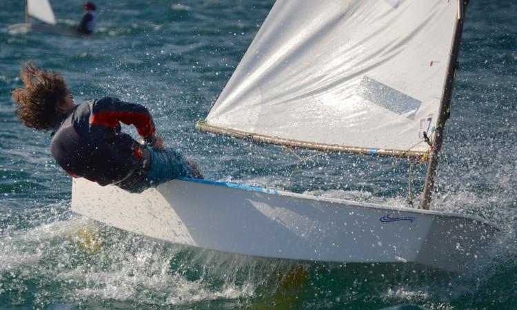 Julien Carter revelou-se com vento forte e fez 2º lugar nas duas últimas regatas (®PauloMarcelino)