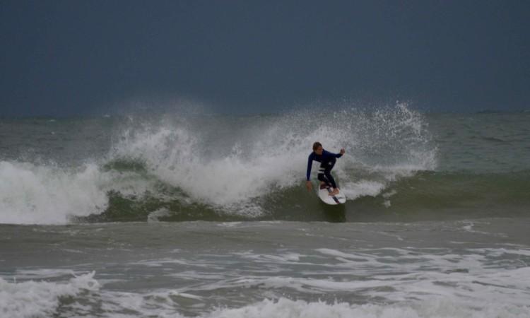 Julian Seyffert venceu em Sub-14, a sua primeira vitória em campeonatos de surf (®PauloMarcelino)