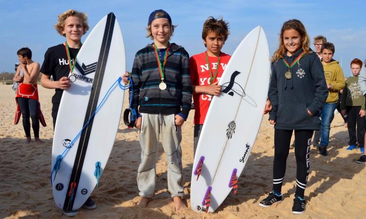 Pódio Surf Infantis (®PauloMarcelino)