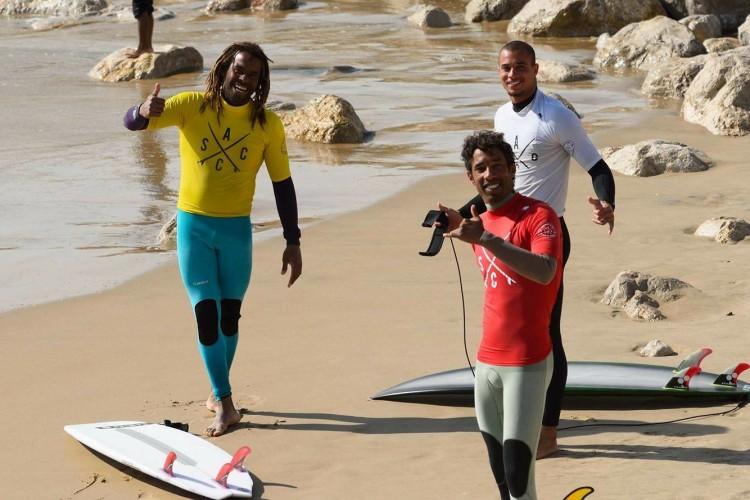 Três amigos bahianos na final Open: Adriano de amarelo; Moreno de vermelho e Ian de branco (®DR)