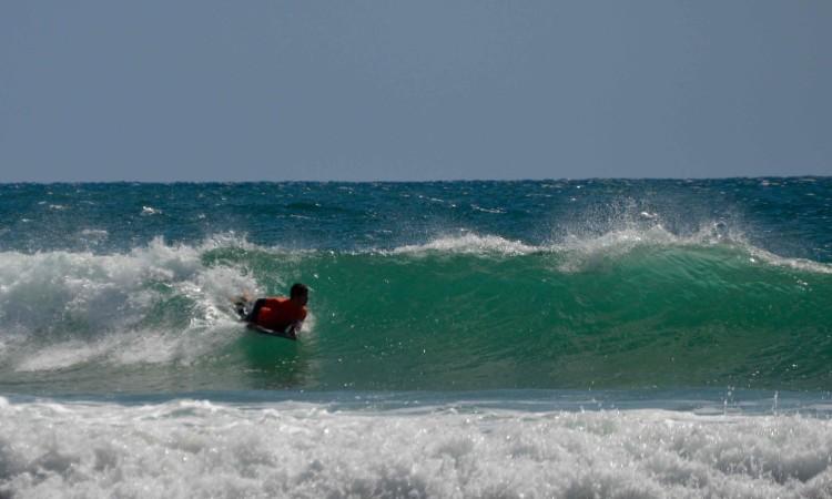 O bodyboard também mostrou serviço na Praia da Rocha (®PauloMarcelino)