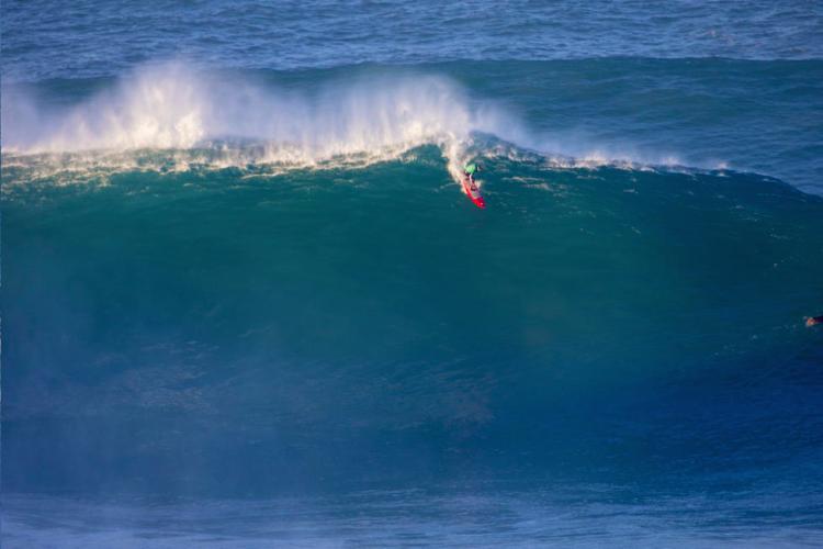 João de Macedo é considerado o melhor surfista português de ondas grandes (®DR)
