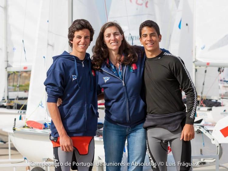 Ingrid Braga Fortunato com a tripulação Manuel Fortunato & Frederico Baptista. Dupla de Lagos terminou a 8 pontos do pódio nacional 420 Júnior Open (®LuisFraguas/CVVC)