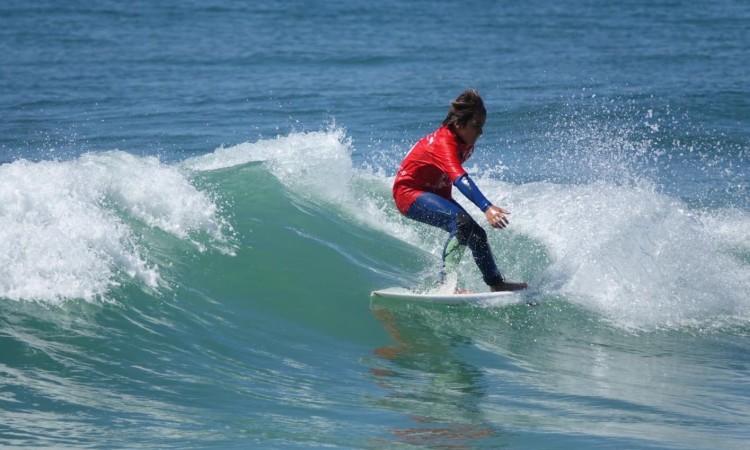Henrique Gomes fez o melhor resultado algarvio na Caparica; 2º lugar Surf Infantis (®IsabelleDeWaelePereira)