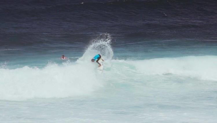 Rasgada de 'backside' com assinatura algarvia na Praia do Monte Verde (®DR)