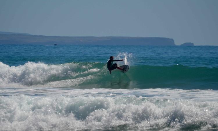 João Serafim conhece as ondas na Arrifana como ninguém. Foi 2º classificado na etapa (®PauloMarcelino)