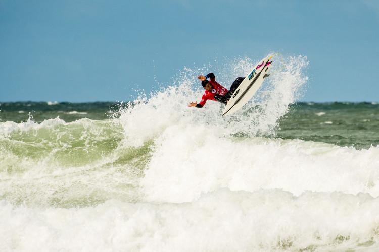 Pedro Henrique, do Algarve Surf Clube, já está na Ronda 3 (®PedroMestre/ANS)