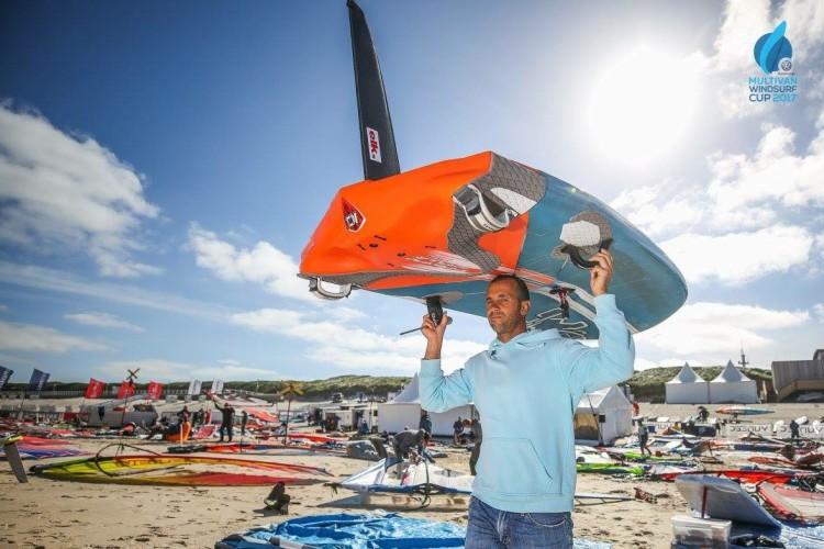 Miguel Martinho sentiu alguma dificuldade em adaptar-se às condições de vento e de mar em Sylt (®IFWC)