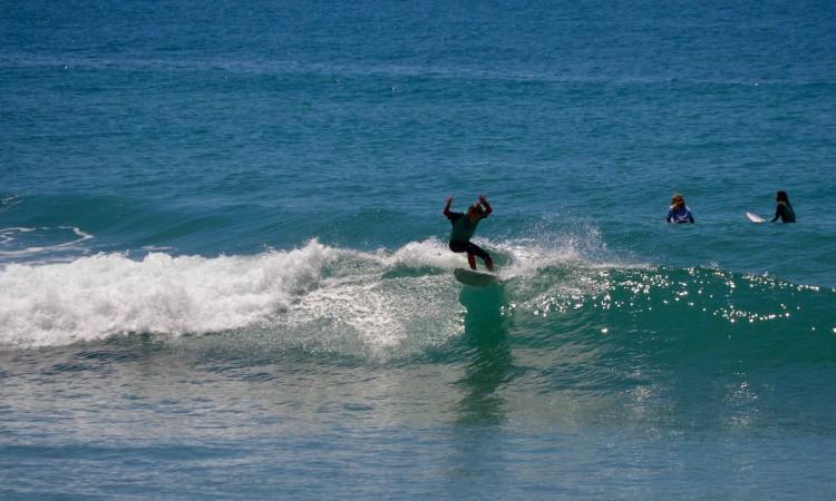 Nuno Lopes, Vice-Campeão Regional Sub-12 do Sul, aqui em ação na Praia da Arrifana, Aljezur (®PauloMarcelino/arquivo)