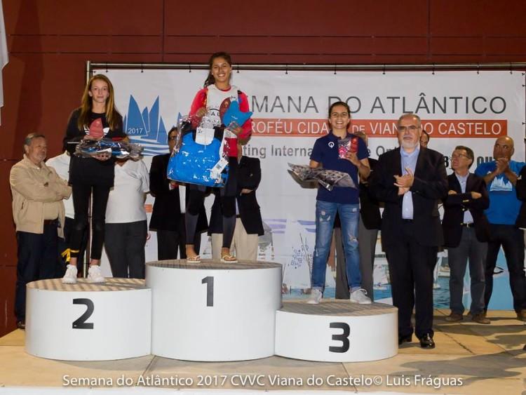 Imagem fica para a História como o último pódio de Beatriz Gago em Optimist: 1º lugar Feminino (®LuisFraguas/CVVC)
