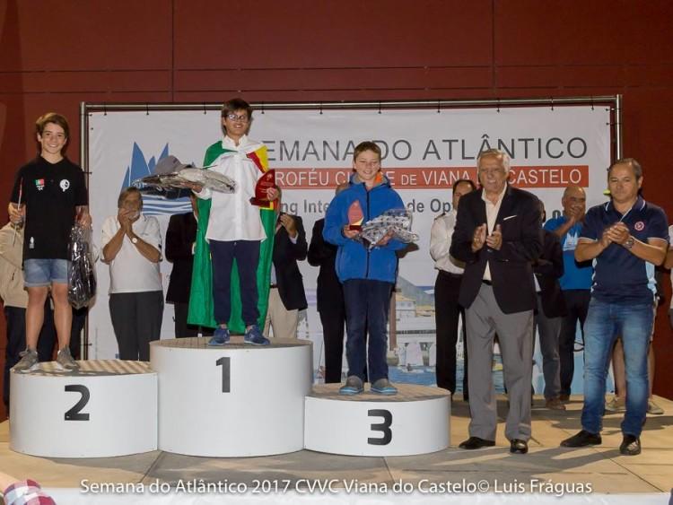Algarvio Guilherme Cavaco, Campeão de Portugal, no 2º lugar do pódio Juvenis Masculino (®LuisFraguas/CVVC)