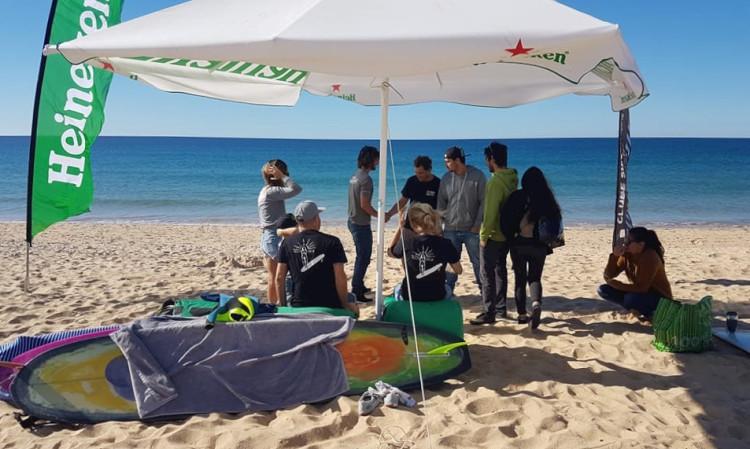 Ondas pequenas serviram a competição na Praia de Faro, mas o talento dos competidores deu espetáculo (®MariaInesMestre)