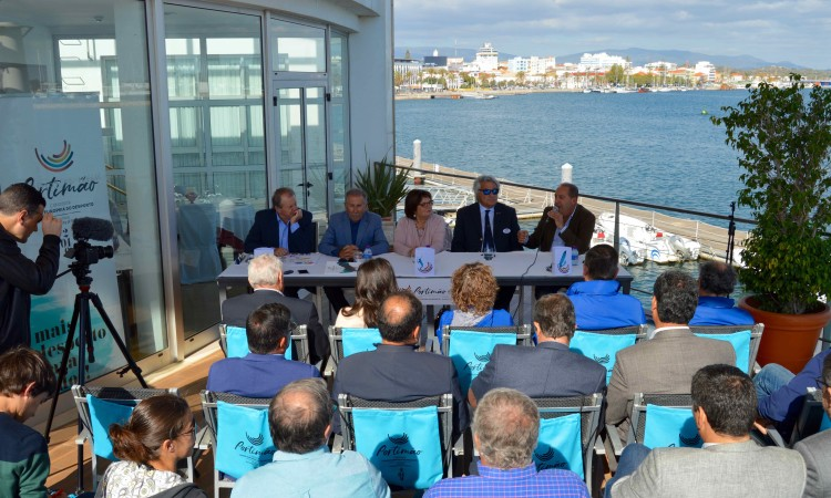 Aspeto geral da conferência de imprensa que marcou o fim da visita da comissão da ACES Europe a Portimão (®PauloMarcelino)