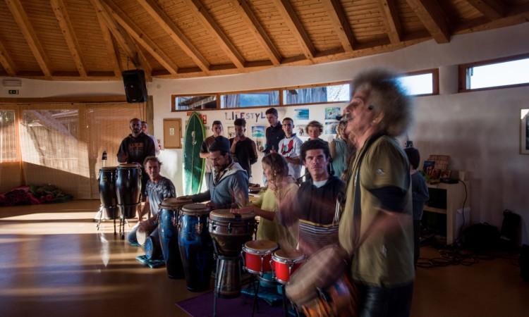 Músico algarvio Beto Kalulu conduziu uma tarde de percussão e festa (®JoaoCabritaSilva)